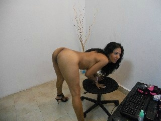 LoveItRough White camgirl